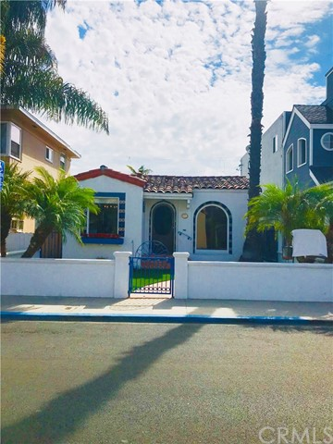 54 S Corona Avenue, Long Beach, CA 90803