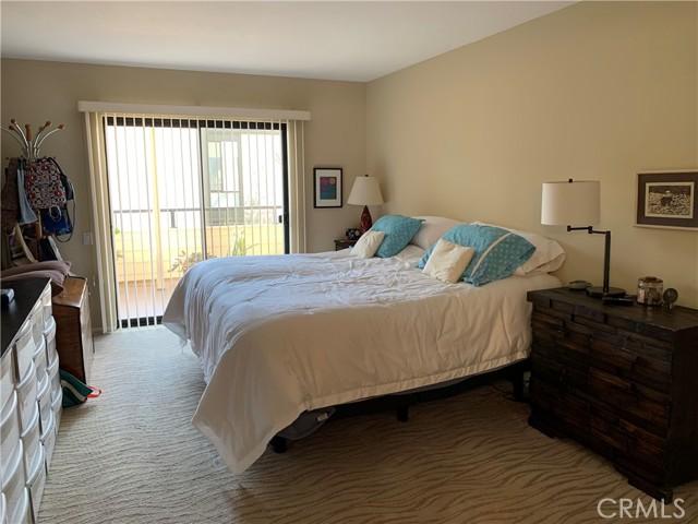 121 Calle Mayor, Redondo Beach, California 90277, 2 Bedrooms Bedrooms, ,3 BathroomsBathrooms,For Sale,Calle Mayor,PV21054789
