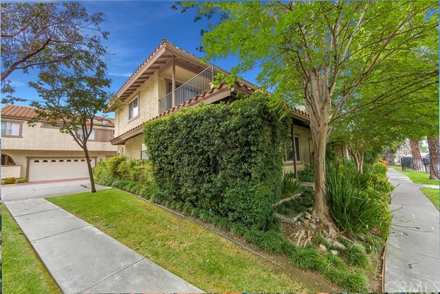 1635 HUNTINGTON Drive, Duarte, CA 91010