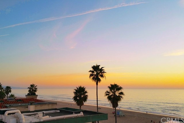 4303 The Strand, Manhattan Beach, California 90266, 3 Bedrooms Bedrooms, ,2 BathroomsBathrooms,For Sale,The Strand,SB18078022
