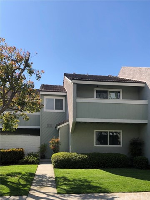 18812 Thornwood Circle 24, Huntington Beach, CA 92646