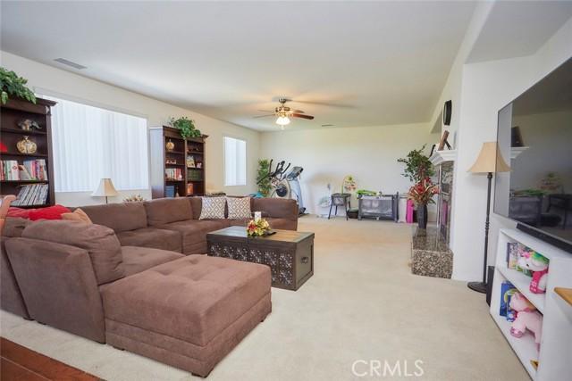 8443 Fillmore Ct, Oak Hills, CA 92344 Photo 12