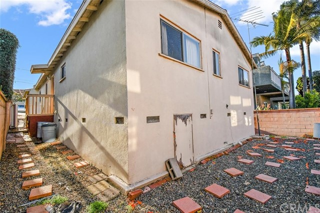 1202 Harper Avenue, Redondo Beach, California 90278, 3 Bedrooms Bedrooms, ,2 BathroomsBathrooms,For Sale,Harper,SB21018499
