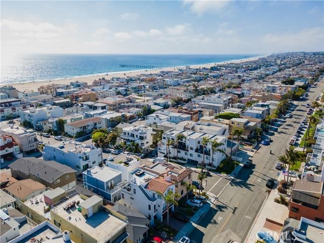 38. 341 Monterey Boulevard Hermosa Beach, CA 90254