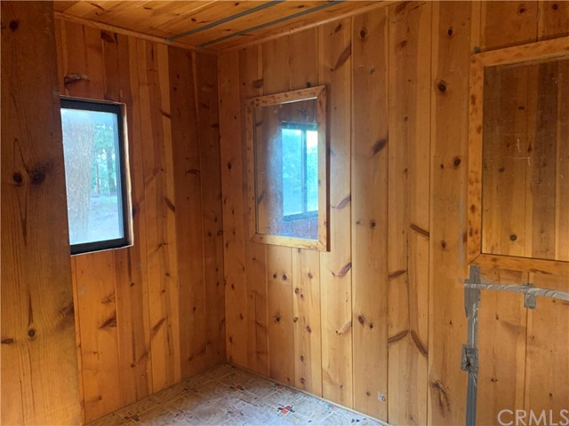 885 Quail Trail, Lake Arrowhead CA: https://media.crmls.org/medias/e9c0d4d9-b054-4d9c-b556-f18d83cd3046.jpg
