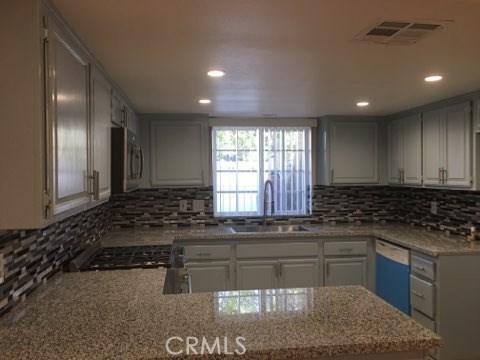 8350 Burnet Avenue 14, North Hills, CA 91343