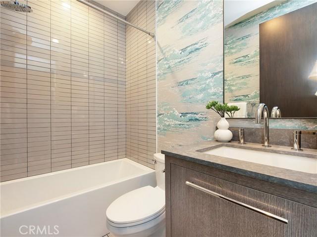 Secondary Bedroom bathroom with bath tub/shower combo