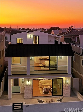 Photo of 309 Coronado Street, Newport Beach, CA 92661