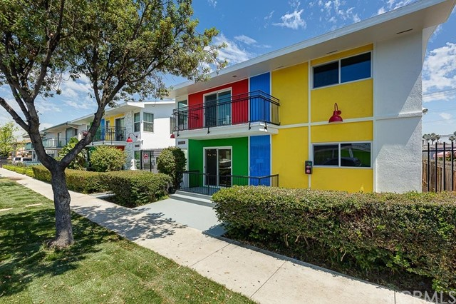 1850 Pine Avenue, Long Beach, CA 90806
