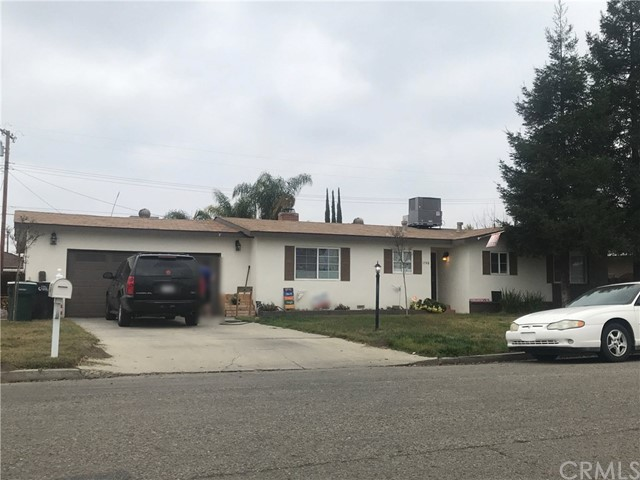 1748 E Academy Avenue, Tulare, CA 93274