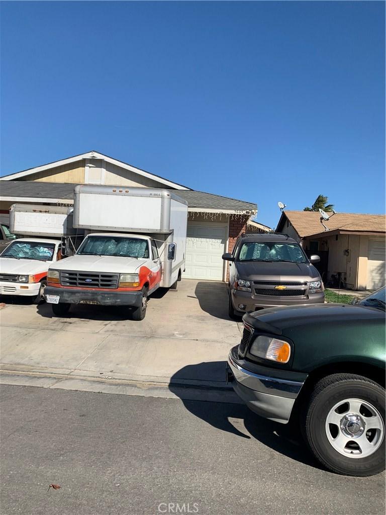 5665     Sexton Lane, Riverside CA 92509