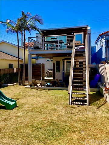 132 33rd Place, Hermosa Beach, California 90254, 3 Bedrooms Bedrooms, ,3 BathroomsBathrooms,For Rent,33rd,SB18137622