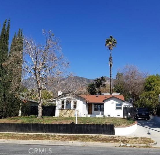 101 W Las Flores Drive, Altadena, CA 91001