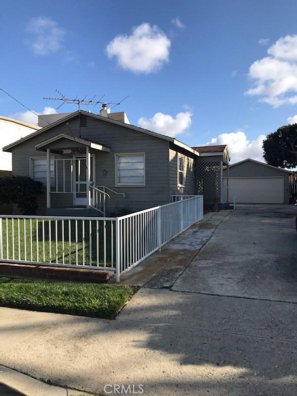 2304 Harriman Lane, Redondo Beach, California 90278, 2 Bedrooms Bedrooms, ,1 BathroomBathrooms,For Sale,Harriman,PV20064615