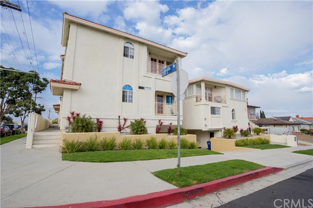 786 24th Street, San Pedro, California 90731, 3 Bedrooms Bedrooms, ,2 BathroomsBathrooms,Townhouse,For Sale,24th,PW20038510