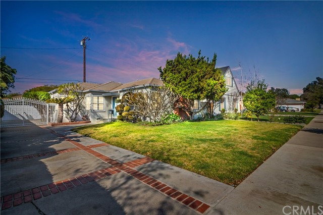 1716 N Olive Street, Santa Ana, CA 92706