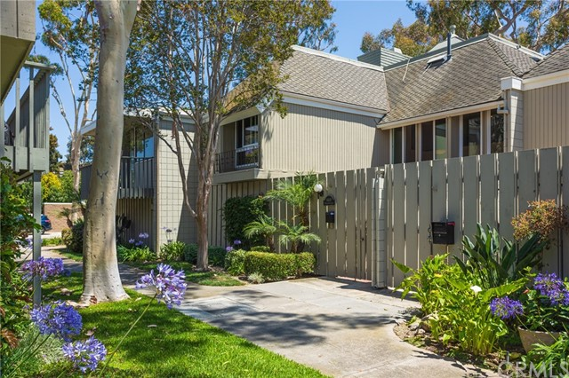 16419  Wimbledon Lane, one of homes for sale in Huntington Harbor