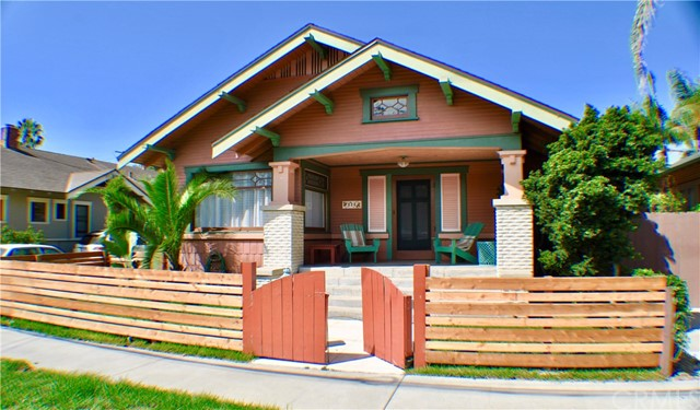 325 Wisconsin Avenue, Long Beach, CA 90814