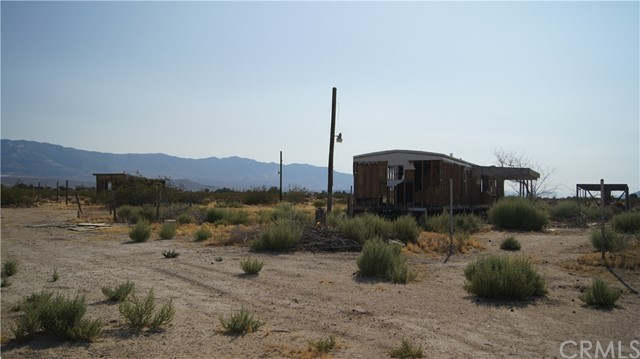 37023 Rabbit Springs Rd, Lucerne Valley, CA 92356 Photo 10