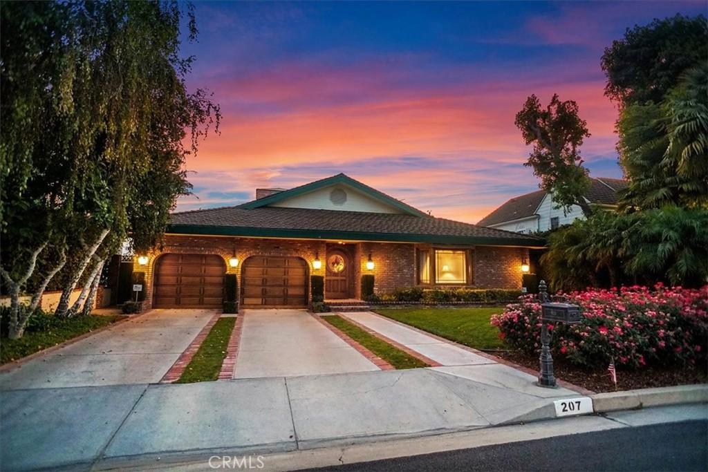 Photo of 207 S Valley Street, Toluca Lake, CA 91505