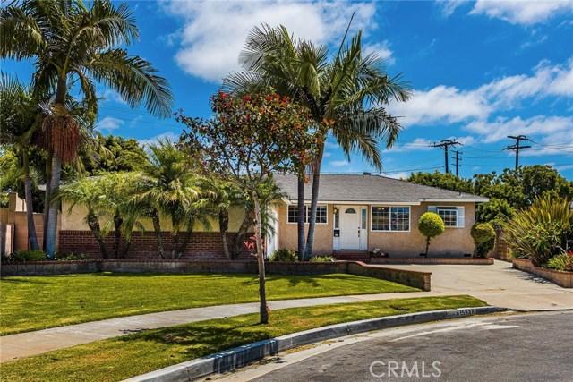Huntington Harbor Homes for Sale -  Single Story,  15932  Hummingbird Lane