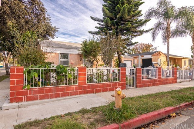 6690 Delta Avenue, Long Beach, CA 90805