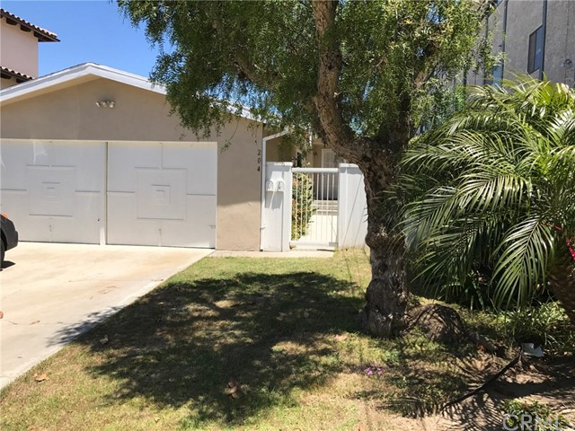 204 Irena Ave B, Redondo Beach, California 90277, 3 Bedrooms Bedrooms, ,1 BathroomBathrooms,For Rent,Irena Ave,SB18122571
