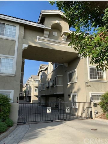 This beautiful 3 level story townhouse located in a secure gated complex. Features 4 bedrooms 3 baths plus one bonus room which can be used as an office or 5th bedroom. High celling master bedroom w/walk-in-closet and a private balcony. Sky light in hallway that brings in natural lighting. One bedroom and a bath with private balcony on the 2nd floor. Bright living room with fireplace. Cozy kitchen with stove/oven, refrigerator and microwave. Formal dining area. Central ac/heating. Remodel new laminate wood flooring in every bedrooms. Fire sprinklers, alarm system, washer/dryer. Attached two car garage. Very convenient close to Santa Anita Fashion Park Shops, Restaurants, 99 Ranch Market, H Mart, Bus stops and 210 freeway. Arcadia Unified School District: Hugo Reid Elementary, Foothills Middle School and Arcadia High School. Move in condition!! ( No Pets allowed )
