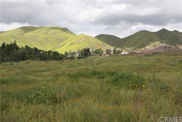 0 East of Lindell, Lake Elsinore, CA 92532