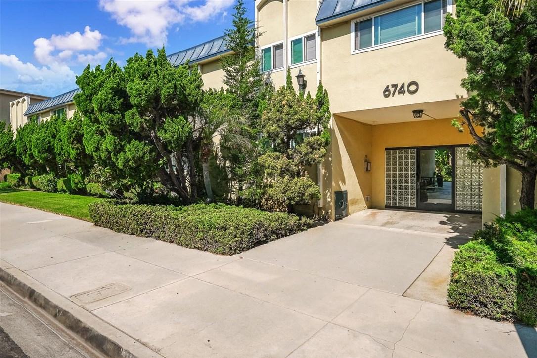 6740 Springpark Avenue 213, Los Angeles, CA 90056