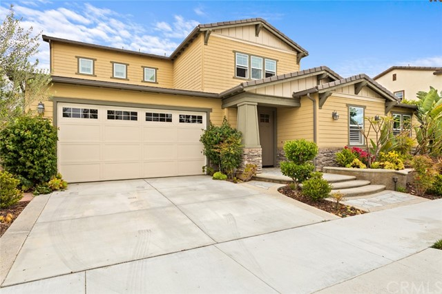 2. 152 Cloudbreak Irvine, CA 92618