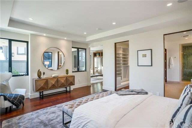 861 8th Street, Manhattan Beach, California 90266, 5 Bedrooms Bedrooms, ,2 BathroomsBathrooms,For Sale,8th,SB19115468