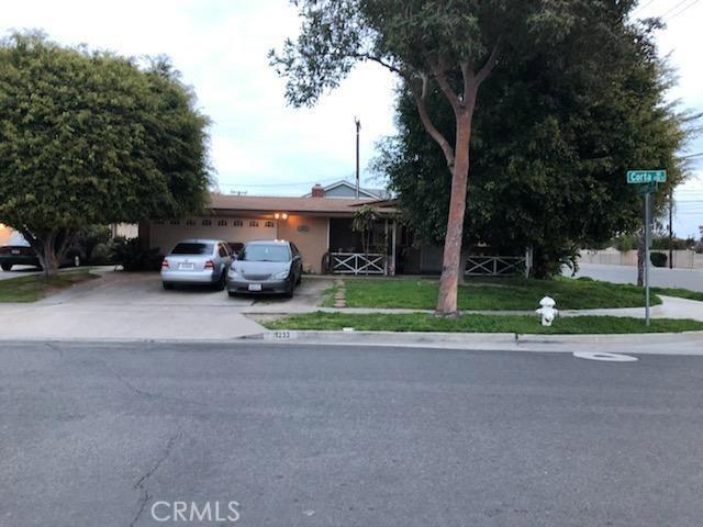 1233 S Corta Drive, Santa Ana, CA 92704