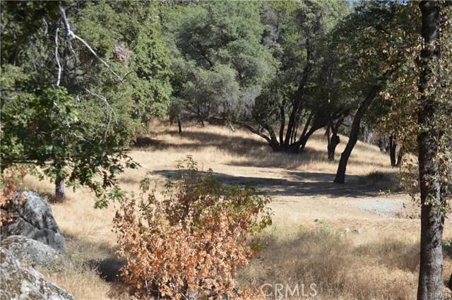 5 Woodcrest Drive, Oakhurst, CA 93644