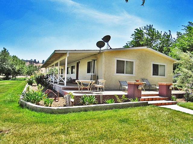 48745 3 Points Road, Lake Hughes, CA 93532