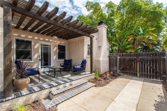 924 N. Olive Street-Covered Patio Backyard