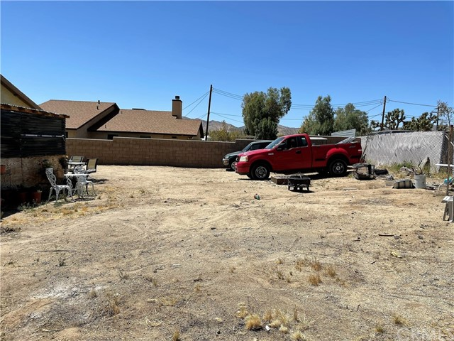 30. 6958 Mohawk Trail Yucca Valley, CA 92284