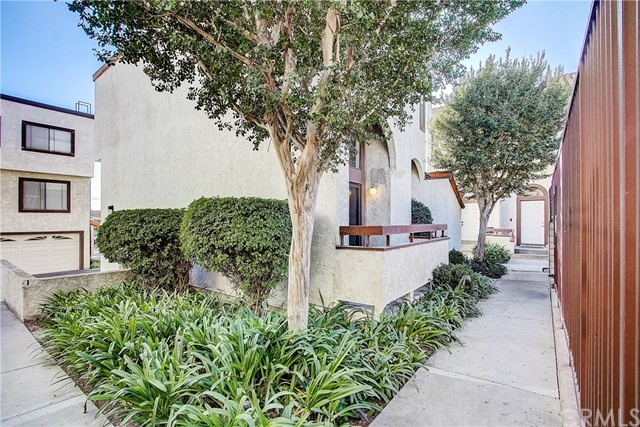 835 W Raymond Street, Compton, CA 90220