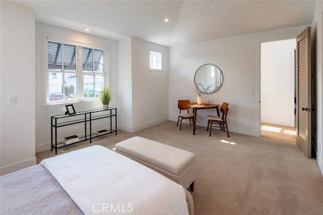 1721 8th Street, Manhattan Beach, California 90266, 6 Bedrooms Bedrooms, ,5 BathroomsBathrooms,For Sale,8th,SB20236562