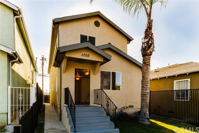 6558 S Van Ness Avenue, Los Angeles, CA 90047