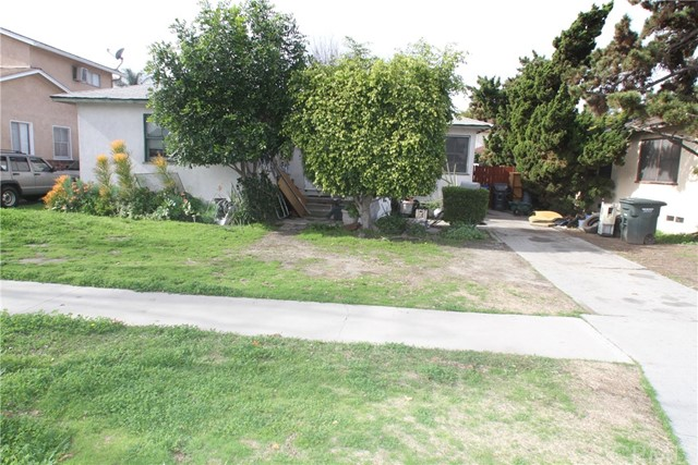 5843 Pennswood Avenue, Lakewood, CA 90712