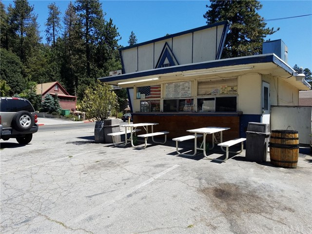 24075 Lake Drive, Crestline, CA 92325