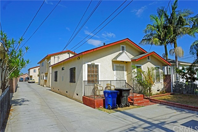 6703 Vinevale Avenue, Bell, CA 90201