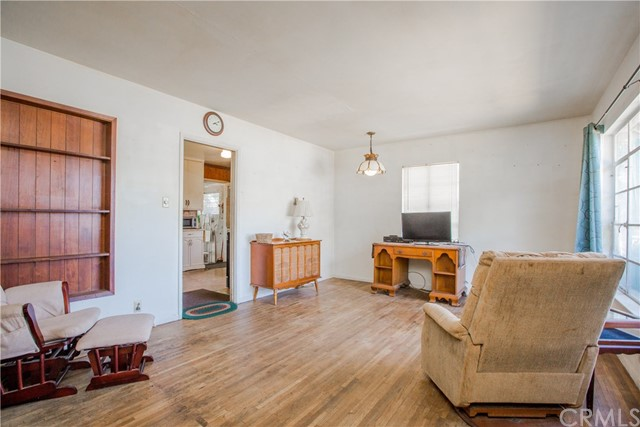 1646 Hacienda Place, Pomona, CA 91768