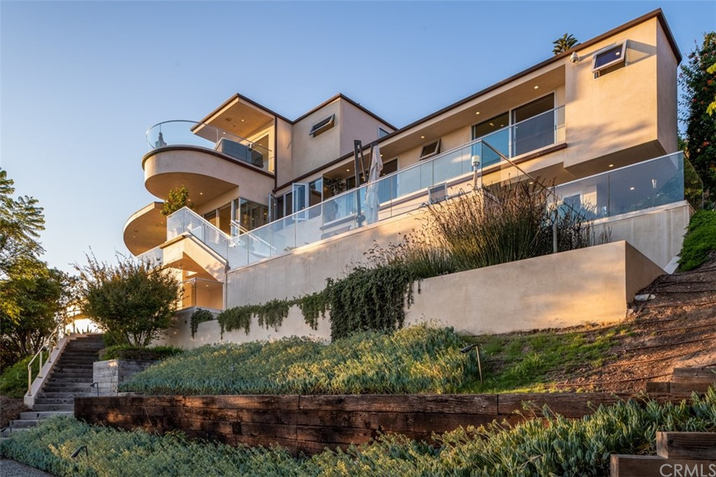 Photo of 900 Gainsborough Drive, Laguna Beach, CA 92651