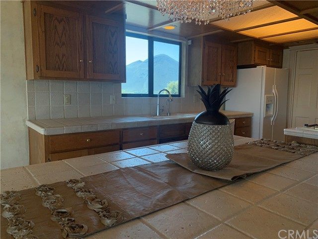 Image 2 of 3960 Oak Dr, Clearlake, CA 95422