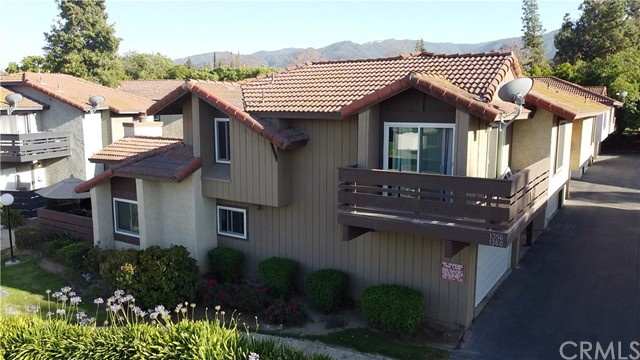 1356  Brentwood Circle, Corona, California