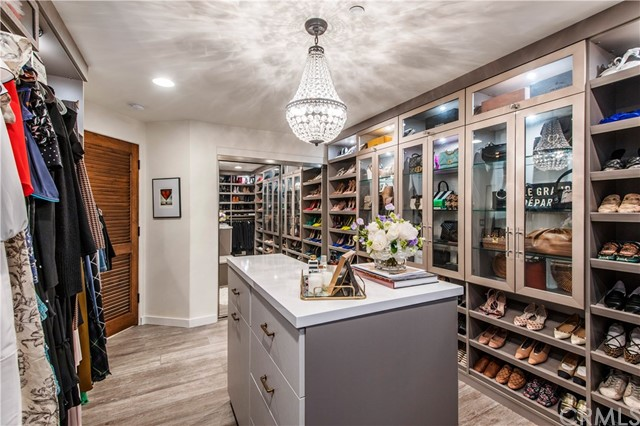 Welcome to the custom designed closet of your dreams!