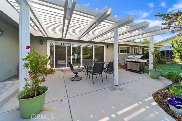 36. 306 N Valley Center Avenue Glendora, CA 91741