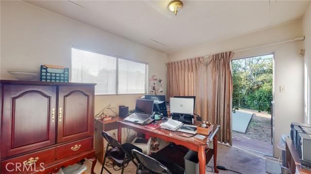 18. 25 E Linda Vista Avenue Alhambra, CA 91801